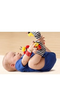 LAMAZE Foot Finder (1 Pair) Red Ladybird